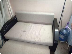 Двухместный диван до чистки